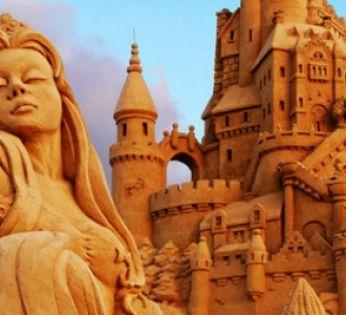 Maître du monde des sculptures de sable